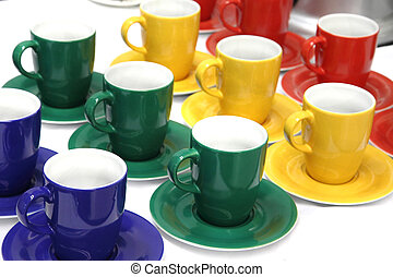 color cups in green, red, blue and yellow colors