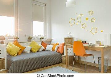 Color details in girl's room