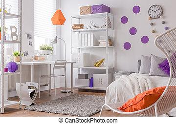 Color details in teenager's bedroom