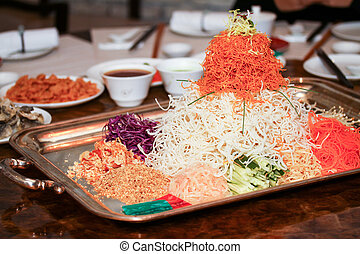 Color of fried pasta in buffet