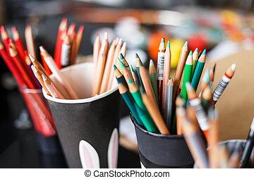 Color Pencil in Dice-Box