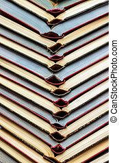 colorato, libri, abitudini, accatastare, tavola., concetto, legno, lettura