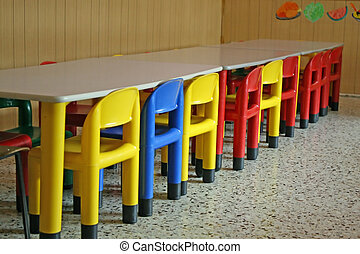 colorato, sedie, asilo, cenando, fila, stanza vuota
