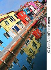 colored houses of the Italian island of Burano near Venice ...