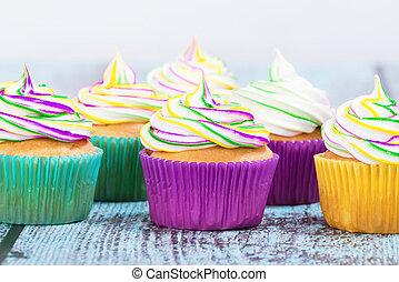 Mardi Gras cupcakes - Colorful homemade Mardi Gras cupcakes