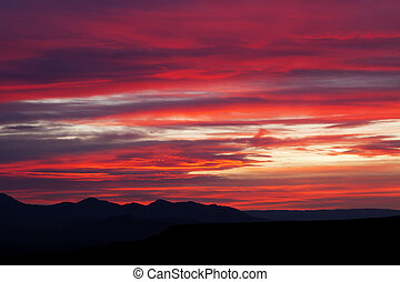 Mojave Desert Mountain Sunrise Landscape - Colorful Mojave...