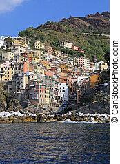 Riomaggiore - Colorful Riomaggiore village UNESCO World...