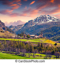 Colorful spring sunrise on the village of Saint Paul, Ercen...