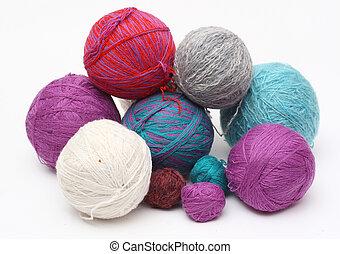 yarn clews