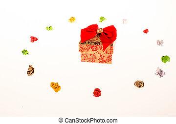 colorido, arrugado, papeles, y, un, caja obsequio