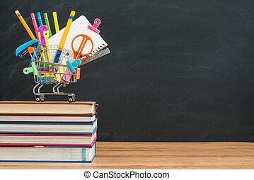 colorido, back to la escuela, suministros, delante de, pizarra