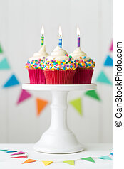 colorido, cumpleaños, cupcakes