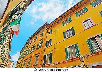 colorido, edificios, en, pisa, debajo, un, cielo azul