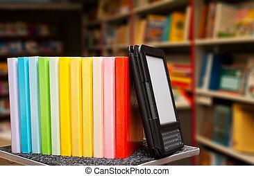 colorido, libros, lector, libro electrónico, fila