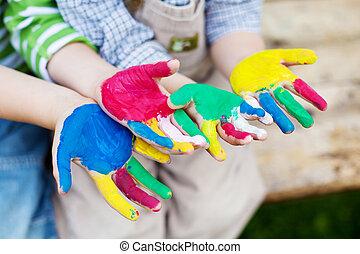 colorido, manos, de, niños jugar, exterior