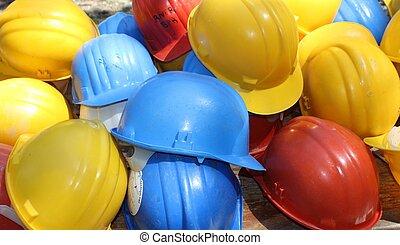 coloridos, chapéus duros