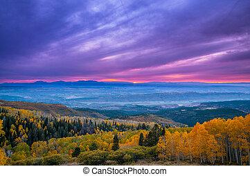 coloridos, dramático, céu ocaso, sobre, cidade, de, moab,...