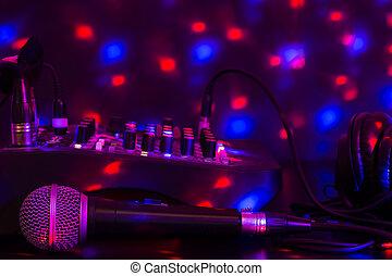 coloridos, fones, lights., closeup, misturando, tabela, microfone