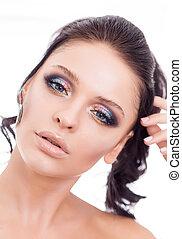 colorito, trucco, faccia donna, bello, brunetta, estate, trucco, bellezza, moda, ragazza, modello, con, dentellare labbri