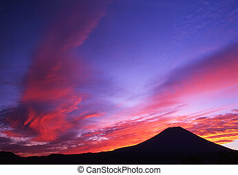 Colors of the Morning Sky II - Spectacular sunrise over Mt. ...