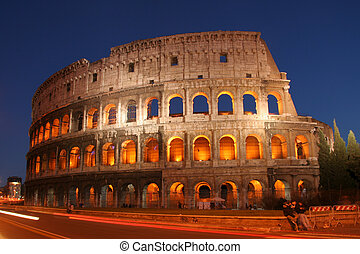 Colosseo - Night shot of the Coliseum in Rome, Italy