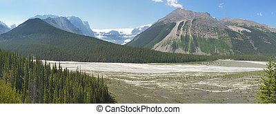 Columbia Icefield panoramic landscape in Alberta. Canada