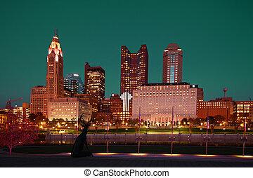 columbus, ohio, crepúsculo, skyline