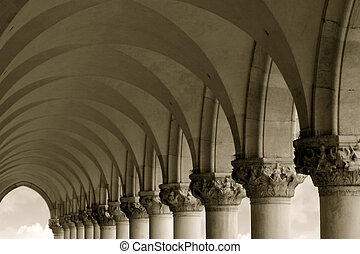 Columns and Arches - Row of arches and columns in Venice ...