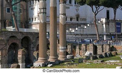 Columns forum. Vittorio Emanuele II. Rome, Italy. UltraHD...