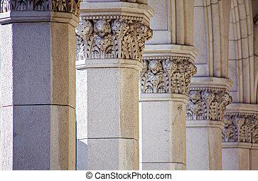 Columns, Trieste - Detail of columns of the Trieste building