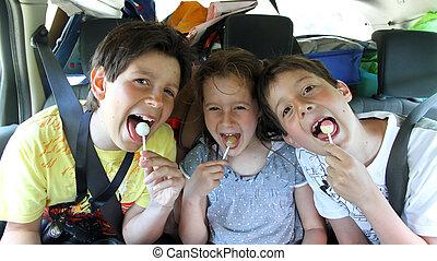 comer, irmãos, car, três, doce, enquanto, viajando, feliz