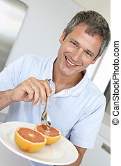 comer, meio, toranja, fresco, envelhecido, homem