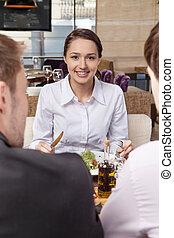 comer mulher, cafe., salada, saudável, jovem, almoço, misturado, bonito, vegetal, menina, café, amigos
