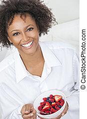 comer mulher, fruta, americano, raça, africano, misturado