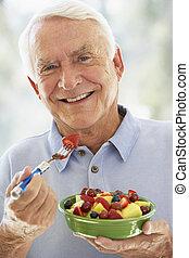comer, salada, fruta, fresco, homem sênior