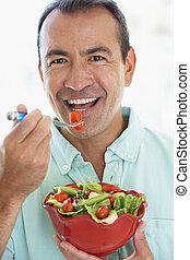 comer, salada, meio, verde, fresco, envelhecido, homem