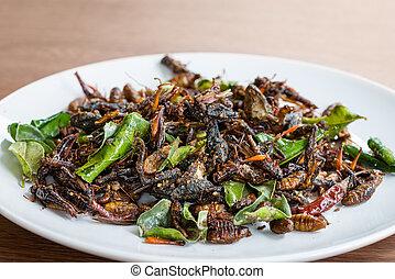 comestível, mistura, insetos, fritado, prato branco