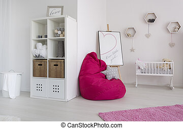 Comfortable resting space for a baby and her mummy