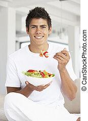 comida, joven, ensalada, hombre