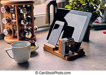 communicatie, set, van, smart, telefoon, tablet pc, en, smart, watch.