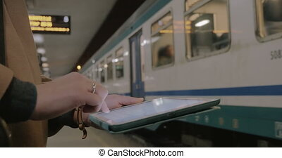Communication with tablet PC in subway