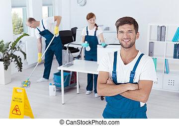 compañía, limpieza, trabajando, hombre