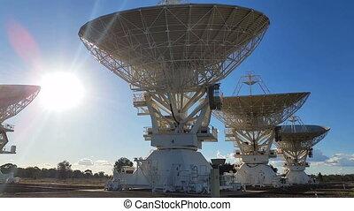 compact, télescope, plats, espace, science, -, radio, satelite, en mouvement, étalage