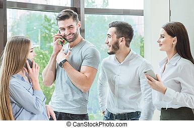 compagnie, amis, téléphone, faire, farce, employés