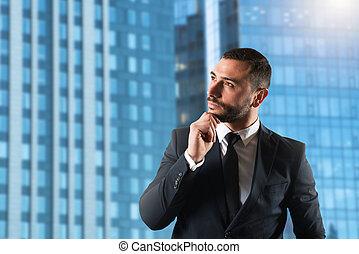 compagnie, haut, grandir, homme affaires, nouveau, stratégies, pense