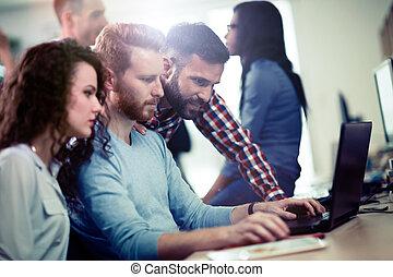 compagnie, programmeurs, technologie, information, coopérer