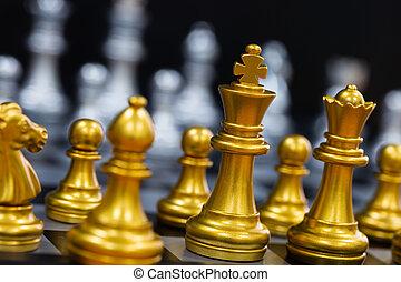 competição, conceito, strategy., chessboard, pretas, inteligência, experiência., negócio, líder, play., sucesso, mercado, desafio, isolado, xadrez, rei, jogo, batalha, alvo, levantar