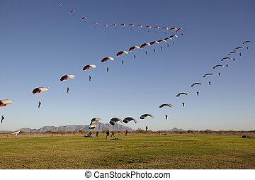 compilação, de, skydivers, aproximar-se, para, aterragem