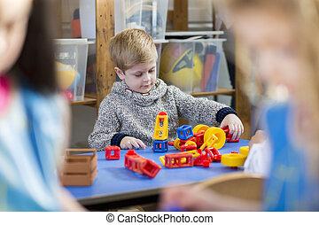 componentes básicos, en, guardería infantil