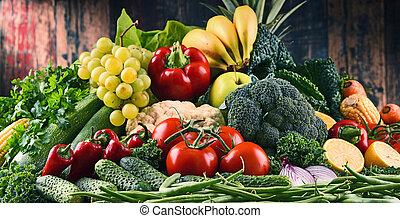 composición, con, variedad, de, crudo, orgánico, vegetales, y, fruits
